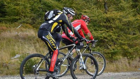 Abbigliamento mountain bike
